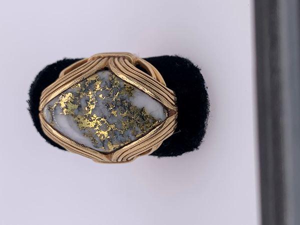 Picture of 18K Custom Men's Quartz Ring