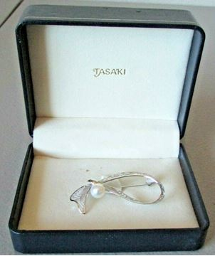 Picture of Tasaki Sterling Silver Pearl Brooch
