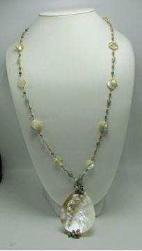 "Picture of 34"" Moth Pearl Necklace"