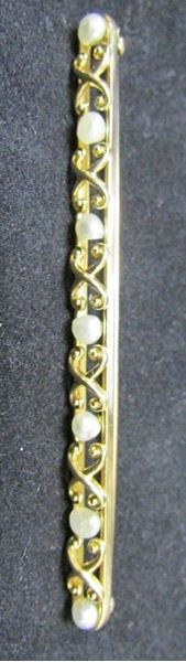 Picture of 14K Natural Pearl Elongated Brooch