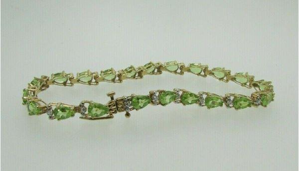 Picture of 10K Peridot Bracelet