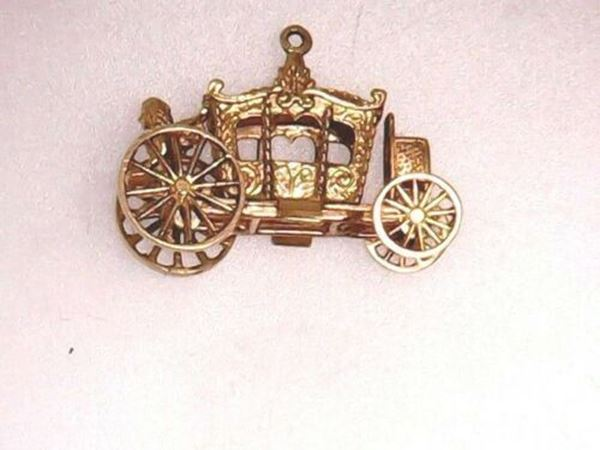Picture of 14K Moveable Cinderella Carriage w/ Angel Charm