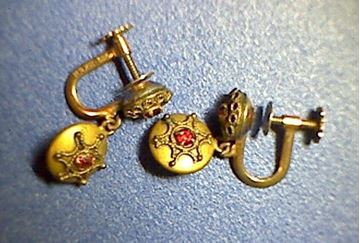 Picture of 12K Gold Filled Retro Screw-back Earrings