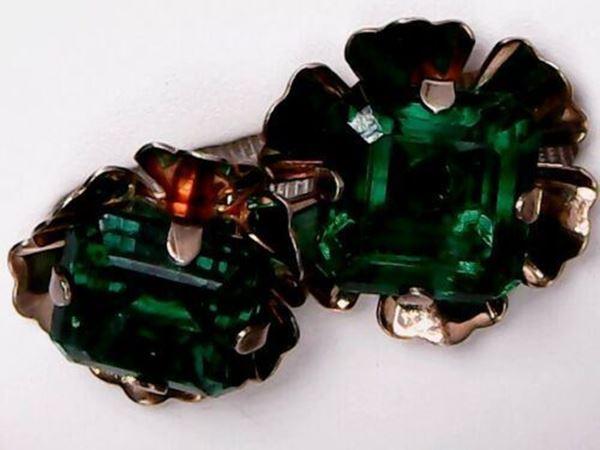 Picture of Sterling Silver Green Rhinestone Screw-back Earrings