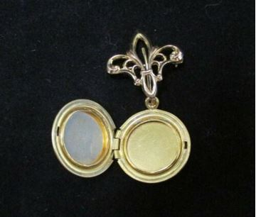 Picture of Gold Filled Brooch or Scarf  Pin Locket