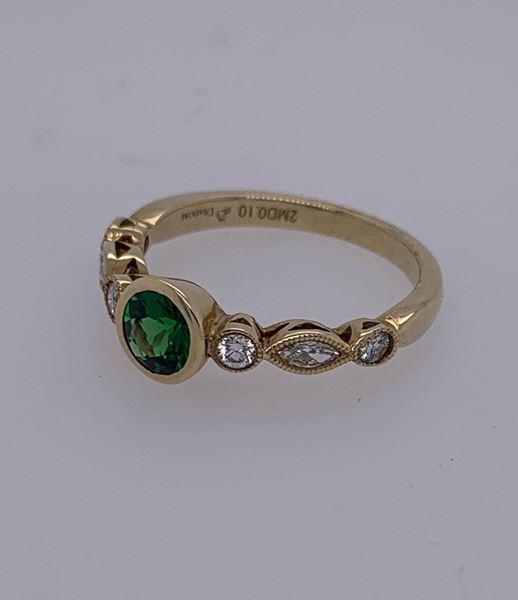 Picture of 18K Tsvorite Garnet and Diamond Ring